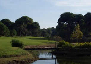 National Golf Club<span class='vzdalenost'>(3 km od hotelu)</span>