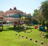 A-View-From-Children-Activity-Area_02